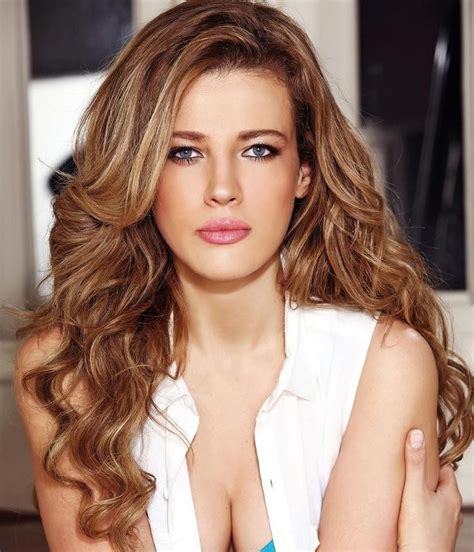 Light Brown Curly Hair by Brown Curly Hair With Light Brown Highlights Thinking I Might Like To Do Something Like