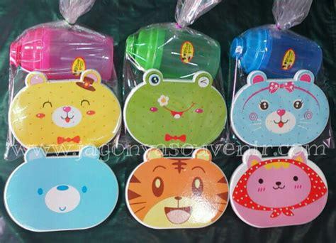 Dijamin Tempat Makan Tempat Serbaguna Sekat 2 Doraemon paket souvenir tempat makan minum murah jagonyasouvenir