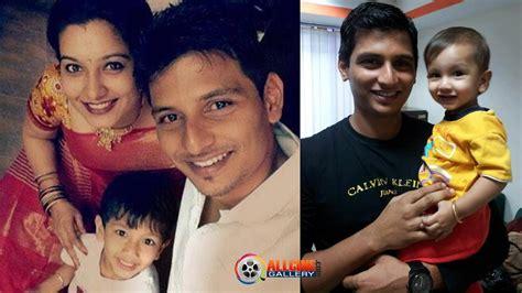 Actor Jiiva Family Photos - Jeeva Wife Supriya Son Sparsh ...
