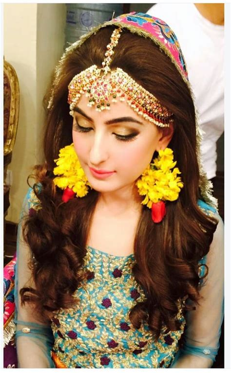 latest pakistani and indian eid hairstyle hair accessories 2014 incredibly beautiful maang tikka and matha patti latest