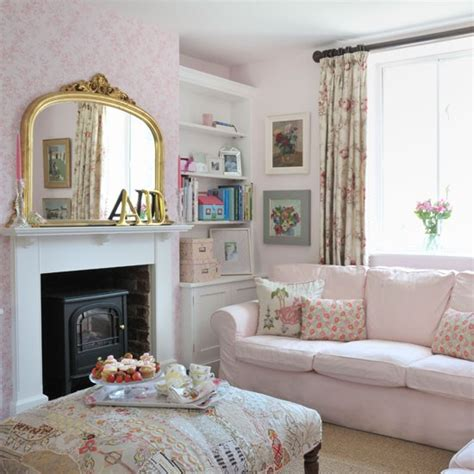 pink living rooms pretty pink country living room living room decorating