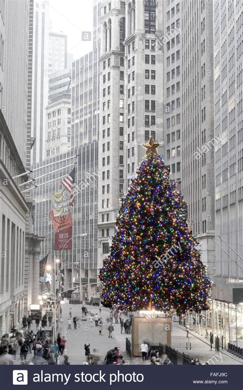 financial district christmas nyse tree in financial district nyc stock photo royalty free image 92542056 alamy