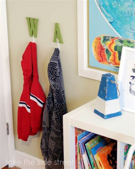 20 interesting wall hooks to put rooms in