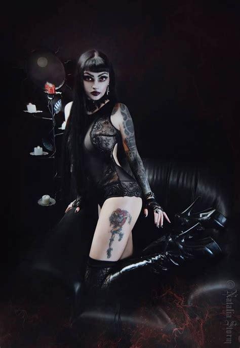 imagenes muñecas emo mejores 660 im 225 genes de gothic fashion quot beauty in the