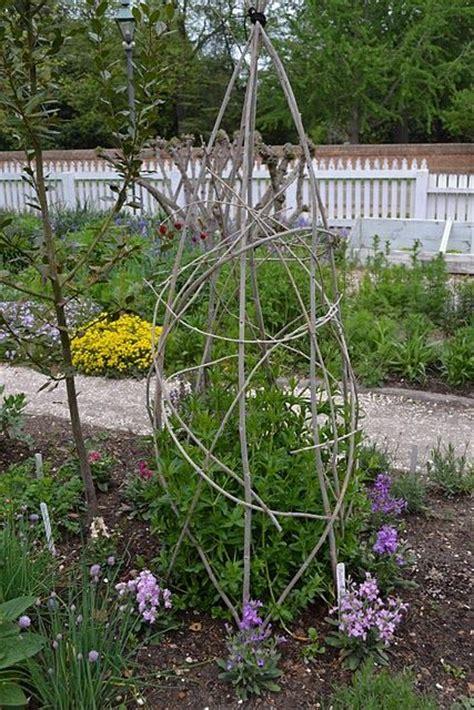 Trellis Gardening Ideas 173 Best Images About Trellis On Pinterest Arbors Iron Trellis And Obelisks