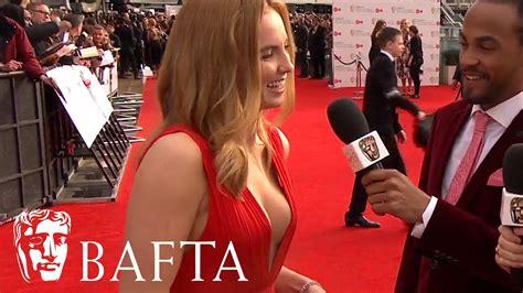 jodie comer husband jodie comer red carpet interview bafta tv awards 2017