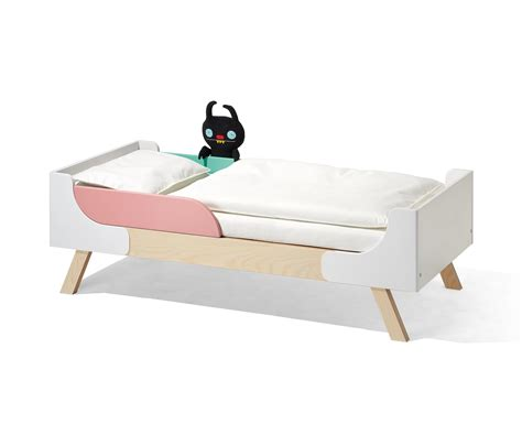 Bett Niedrig by Famille Garage Children S Bed Infant S Beds From Richard
