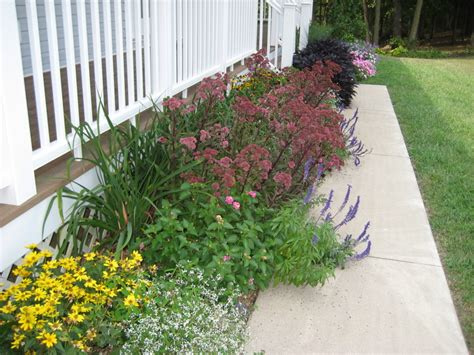 flower bed designs for front of house flower garden designs for front of house landscaping gardening ideas