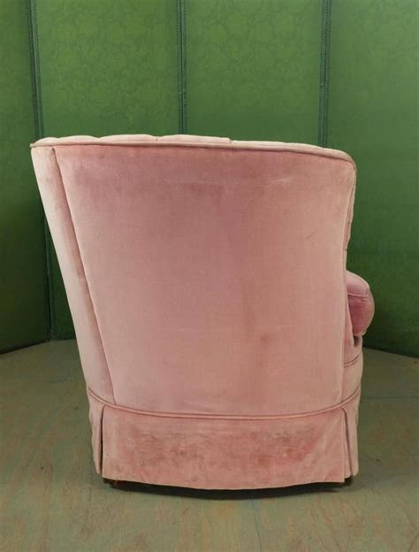 pink velvet settee small pink velvet settee for sale at 1stdibs