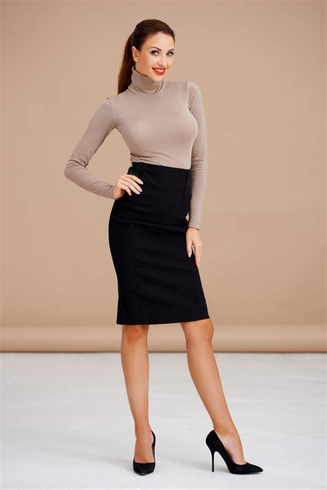 skirt and high heels best shoes for pencil skirts