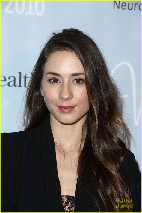 troian bellisario tattoo pretty liars cast get matching tattoos after
