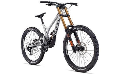 commencal supreme dh commencal 2017 supreme dh v4 2 fox 650b brushed edition 2017