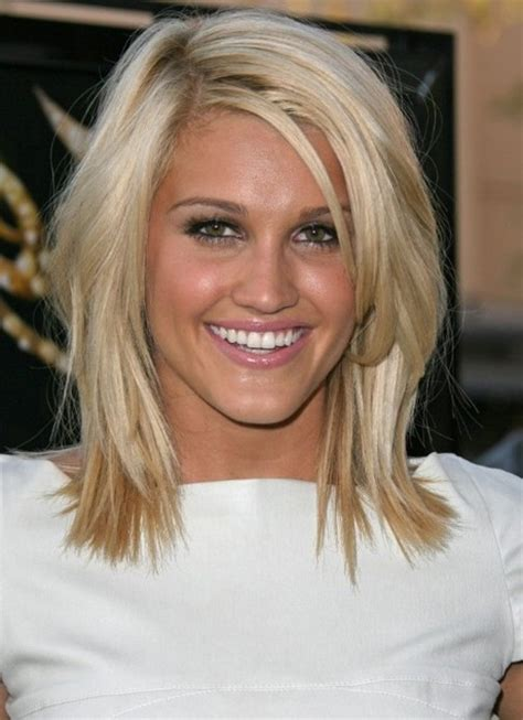 above the shoulder hair cuts for blonde hair cute medium length layered haircuts