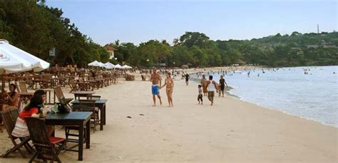 jimbaran beach   by hotelbalihotels.com