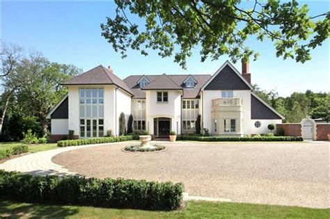 6 bedroom houses 6 bedroom detached house sherley close estate off
