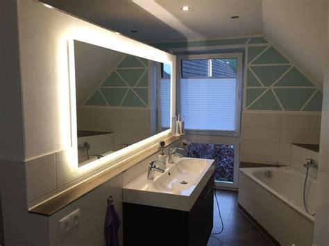 luxus badezimmerspiegel led beleuchtung home idea die besten 25 badezimmerspiegel mit beleuchtung ideen auf