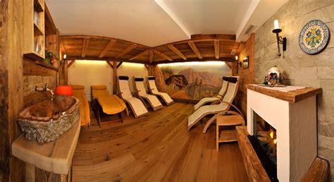 hotel con sauna in hotel con sauna e wellness relax a selva di val gardena