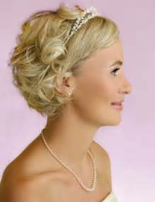 Bridesmaid hairstyles for short hair wedding hair ideas via