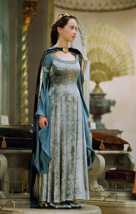 film like narnia susan s coronation dress narnia lww narnia costumes