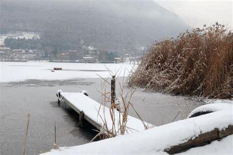 casamica pavia neve e ghiaccio sul lago d endine