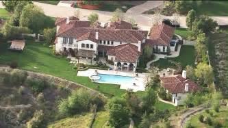Justin Bieber S House by Nfl Calls Out Justin Bieber For Reckless Driving Ktla