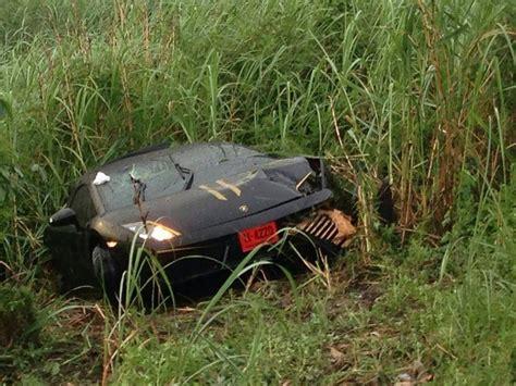 Lamborghini Wreck Lamborghini Gallardo Crashes Heavy Rains In Bangkok