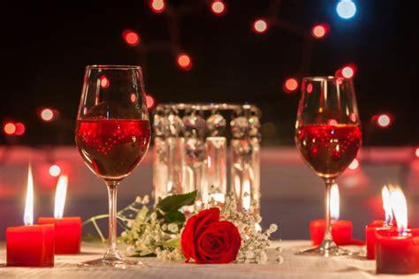 tavola cena romantica come organizzare una cenetta a lume di candela perfetta