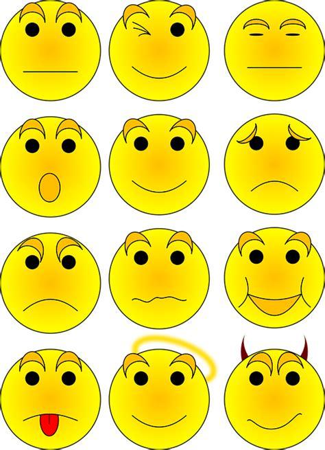 imagenes png vectores vector gratis caritas smiley cara emoticon imagen
