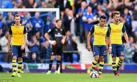 alexis sanchez distance covered everton 2 2 arsenal olivier giroud to the rescue with