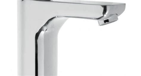 rubinetti particolari rubinetteria da cucina particolari essenziali dal design