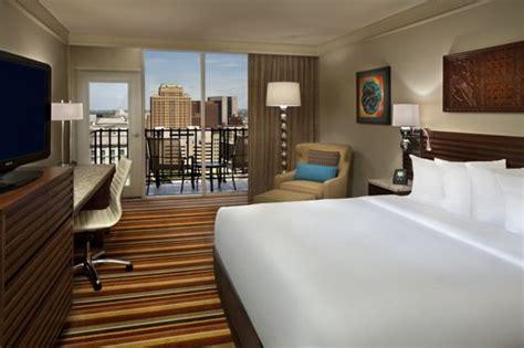hotels with in room san antonio palacio