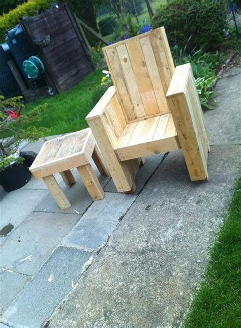 pallet patio chair creative diy outdoor pallet furniture ideas pallet wood projects