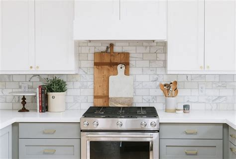 two tone kitchen cabinet pulls interior design ideas home bunch interior design ideas