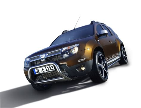 dc design launches a customization pack for the renault