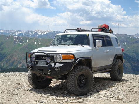 toyota cruiser lifted toyota fj cruiser lifted off road image 89
