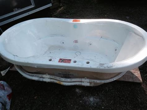 New Tub Prices Hytec 72inch Jetted Tub By Kohler New Price Malahat