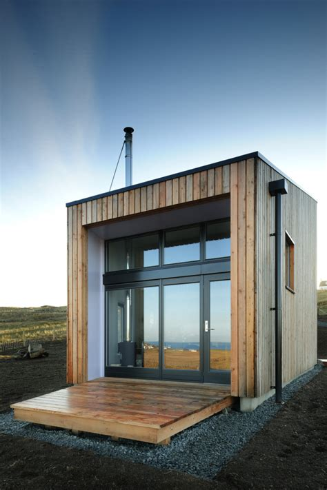 tiny modern house kendram turf house on the isle of skye by rural design
