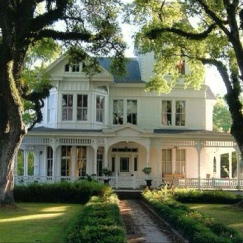 southern style homes 180 best victorian cottage farmhouse homes images on