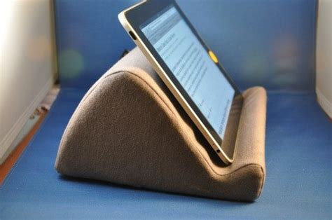 E Reader Pillow by Wedgestand Ereader Pillow Stand Review