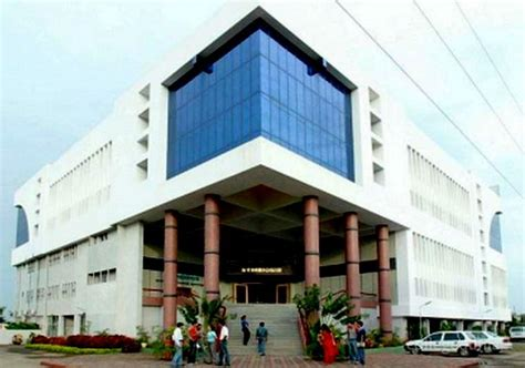 Mba Operations In Pune by Symbiosis Institute Of Operations Management Siom