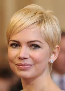 Michelle williams short platinum pixie haircut for round chubby face