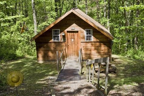 Pet Friendly Cabins Ohio by Pet Friendly Cabins At Hocking In Ohio