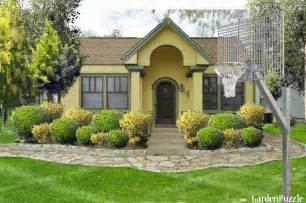 Simple Inexpensive House Plans by Small Yellow House My Version Gardenpuzzle Online