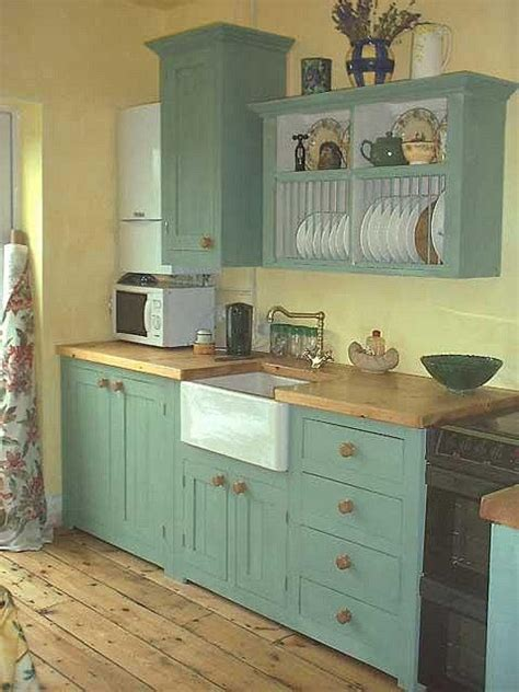 country kitchen ideas for small kitchens 25 best ideas about small country kitchens on farm style kitchen shelves cottage