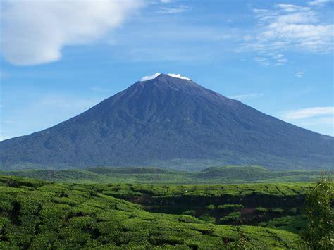 5 gunung berapi aktif di indonesia paket wisata bromo malang tour travel premium