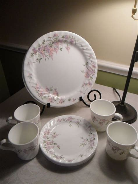 old pattern corelle dishes corelle wisteria dinnerware set vintage corning four place
