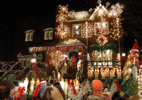 best christmas home decorations in brooklyn in pictures america s best displays