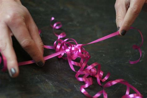 bow   curling ribbon diy projects
