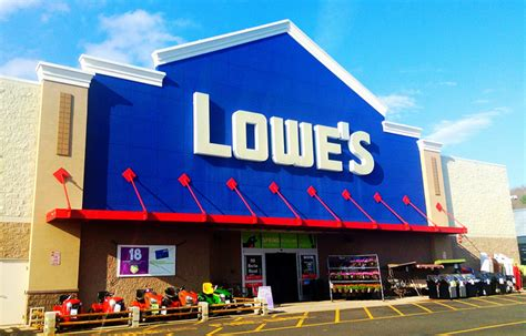 does lowes allow dogs 8 major retail stores that allow dogs iheartdogs