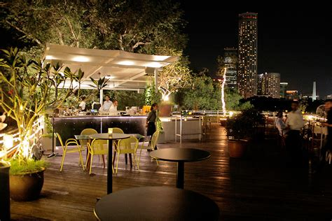 roof top bars singapore 30 rooftop restaurants bars in singapore with the best view